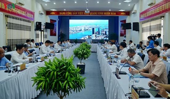 Ông Trần Quốc Vượng kiểm tra việc thực hiện Chỉ thị 35 tại Đà Nẵng