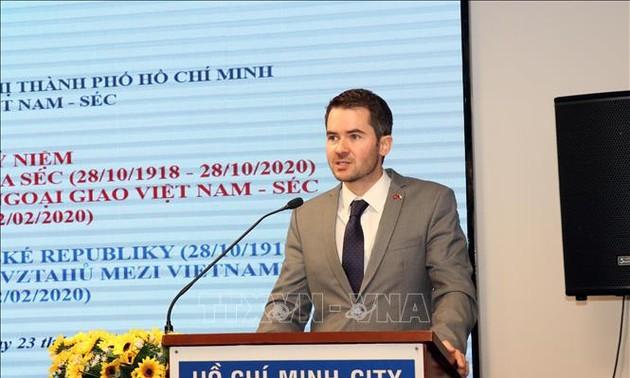 Vun đắp tình hữu nghị truyền thống Việt Nam - Cộng hòa Czech