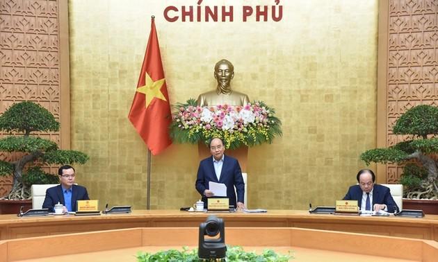 Thủ tướng Nguyễn Xuân Phúc: Bảo đảm việc làm, nâng cao mức sống của công nhân