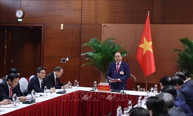 Thủ tướng Nguyễn Xuân Phúc đề nghị các ngành, địa phương chống dịch kịp thời, hiệu quả