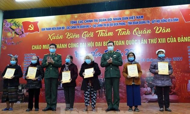 """Chương trình """"Xuân biên giới thắm tình quân dân"""" tại huyện Hướng Hóa, Quảng Trị"""