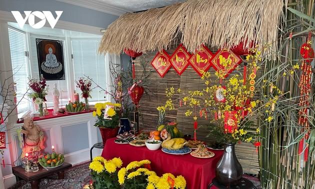 Cộng đồng người Việt tại Mỹ gói bánh chưng, giữ gìn nét đẹp Tết cổ truyền