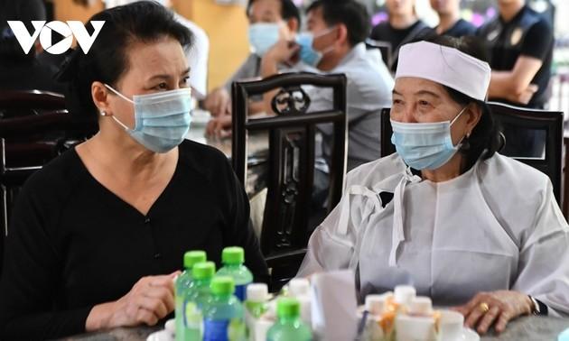 Nhiều lãnh đạo đến viếng nguyên Phó Thủ tướng Trương Vĩnh Trọng ở nhà riêng