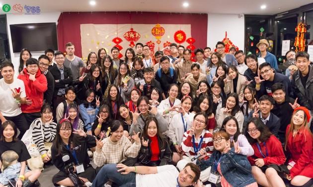 Sinh viên Việt Nam tại Australia đón Tết sum vầy, chia sẻ yêu thương