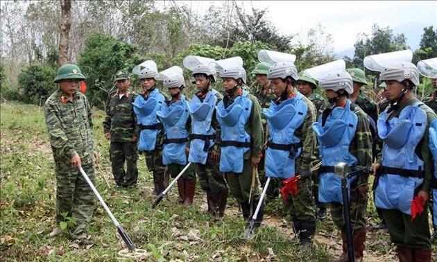 Việt Nam nỗ lực cùng cộng đồng quốc tế khắc phục hậu quả bom mìn