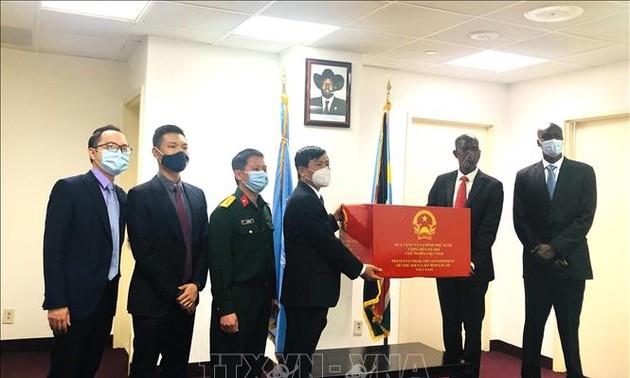 Việt Nam trao tặng Nam Sudan vật tư y tế