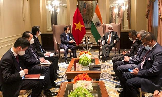 Bộ trưởng Bộ Ngoại giao Bùi Thanh Sơn gặp gỡ bên lề khóa họp 76 Đại hội đồng Liên hợp quốc