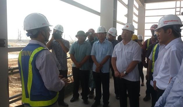 Phó Thủ tướng Hoàng Trung Hải kiểm tra một số dự án tại Thái Bình