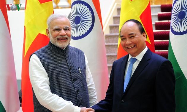 """Quan hệ Việt Nam - Ấn Độ nâng cấp quan hệ """"Đối tác chiến lược"""" lên """"Đối tác Chiến lược Toàn diện"""""""