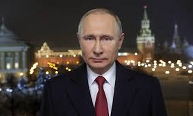 Putin may seek another term if constitutional change passes