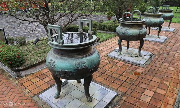 Hue seeks UNESCO recognition for royal dings