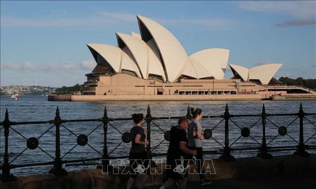 Australia's Sydney enters two-week Covid-19 lockdown