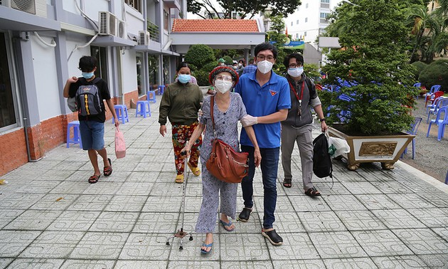 COVID-19: HCM city district evacuates 2,000 people from high-risk areas