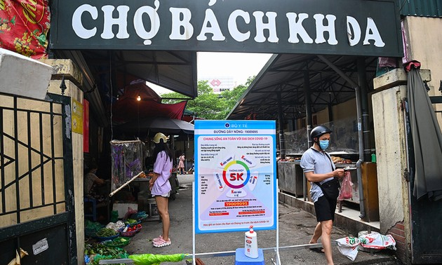 Downtown Hanoi district seeks complete reopening starting October