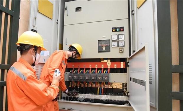 Power bill cut for 2.4 million customers in Hanoi amid COVID-19