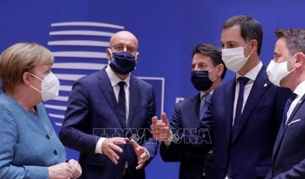 Руководители стран ЕС достигли договоренности по бюджету и фонду восстановления экономики