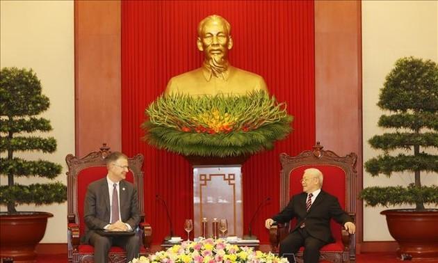 Нгуен Фу Чонг принял посла США во Вьетнаме по случаю завершения срока его работы во Вьетнаме
