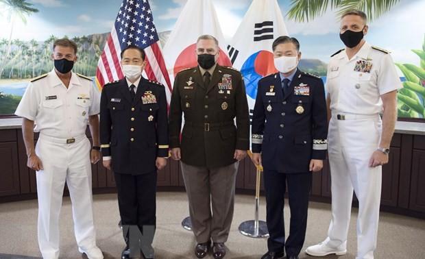Военные Республики Корея, США и Японии договорились активизировать военное сотрудничество