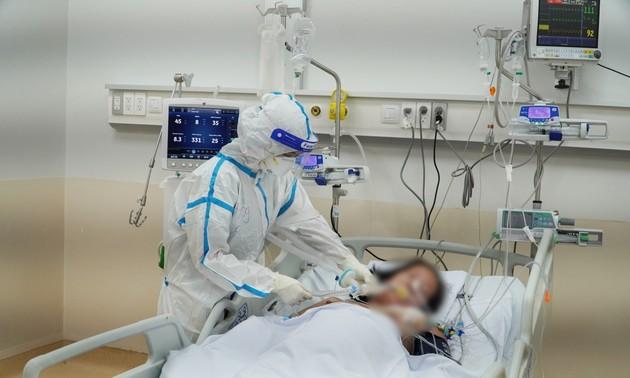 Все ради пациентов в реанимационной больнице для зараженных коронавирусом