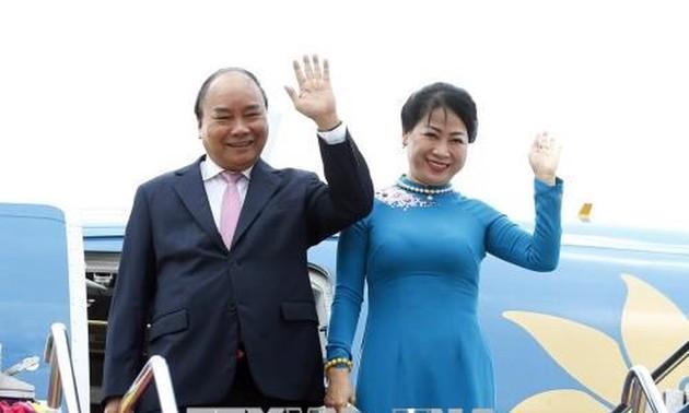 Thủ tướng Nguyễn Xuân Phúc bắt đầu chương trình tham dự Hội nghị cấp cao ACMECS 8 và CLMV 9