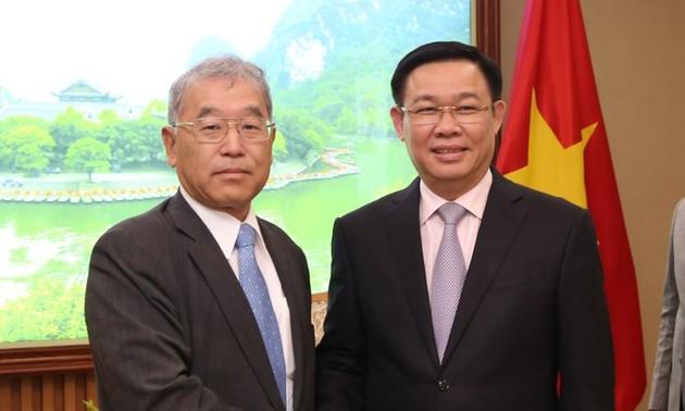 Phó Thủ tướng Vương Đình Huệ tiếp Phó Chủ tịch điều hành Tập đoàn Mitsubishi