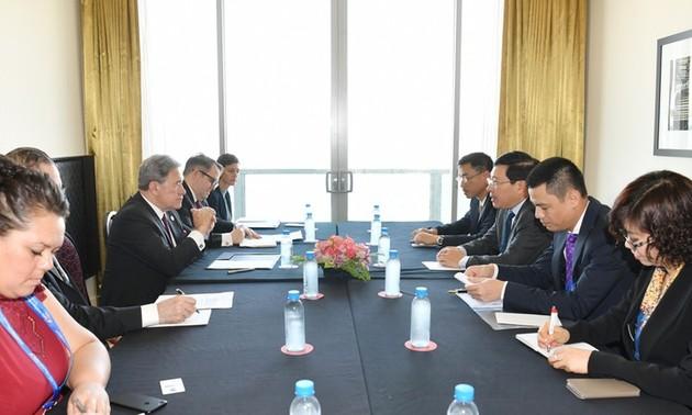 Hoạt động của Phó Thủ tướng, Bộ trưởng Ngoại giao Phạm Bình Minh tại Hội nghị APEC lần thứ 26