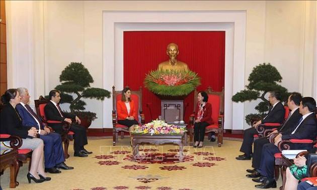 Đoàn đại biểu Đảng cầm quyền Azerbaijan mới thăm Việt Nam