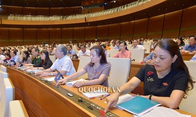 Quốc hội bỏ phiếu phê chuẩn việc bổ nhiệm Thẩm phán Tòa án nhân dân tối cao