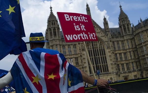 Gia tăng mâu thuẫn trong nội bộ nước Anh về Brexit