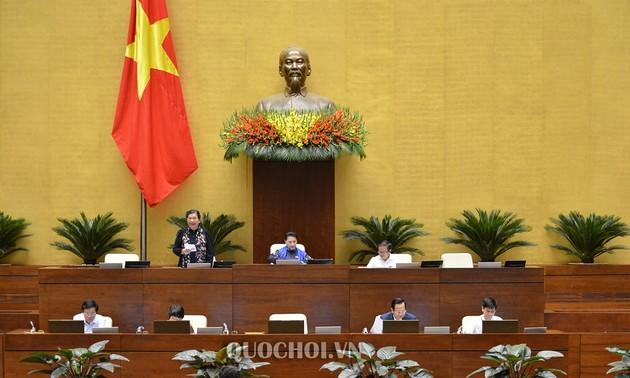 Quốc hội thảo luận về dự án Bộ luật Lao động (sửa đổi)