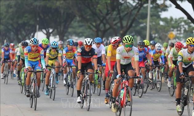 Giải đua xe đạp Nam Kỳ Khởi Nghĩa đi qua thủ đô Phnom Penh, Campuchia