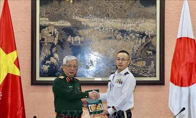 Đoàn Sĩ quan Bộ Quốc phòng Nhật Bản thăm Việt Nam