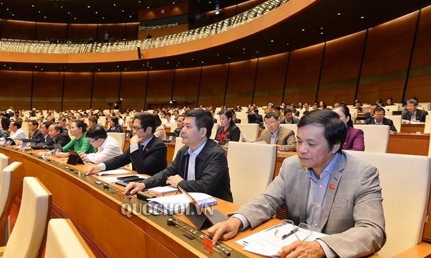 Quốc hội biểu quyết thông qua Bộ luật Lao động (sửa đổi)