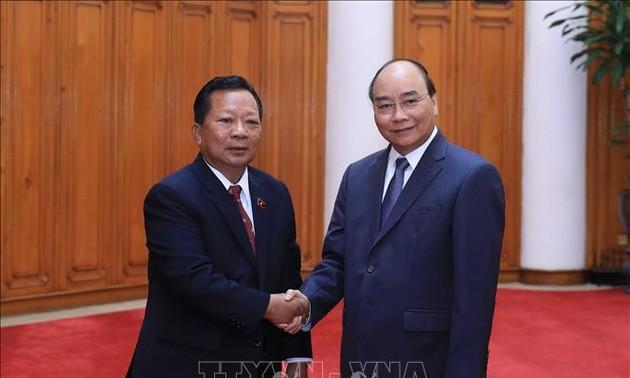 Thủ tướng Nguyễn Xuân Phúc tiếp các Bộ trưởng Quốc phòng Campuchia và Lào