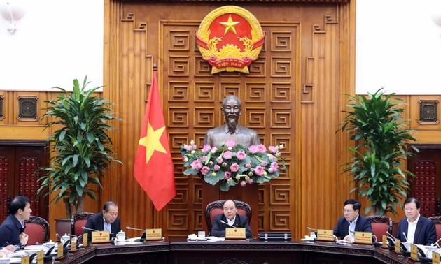 Thủ tướng Nguyễn Xuân Phúc chủ trì cuộc họp thường trực Chính phủ về tháo gỡ vướng mắc, khó khăn cho ngành mía đường
