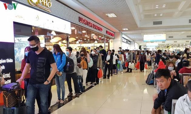 Cả nghìn người Việt tại châu Âu, ASEAN ồ ạt hồi hương, sân bay quá tải