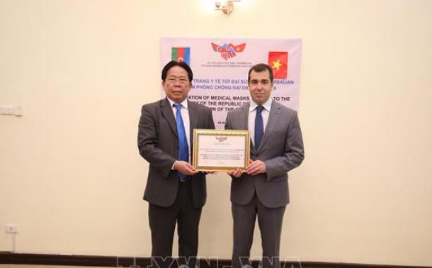 Việt Nam hỗ trợ nhân dân Azerbaijan 10 nghìn khẩu trang y tế phòng, chống dịch COVID-19