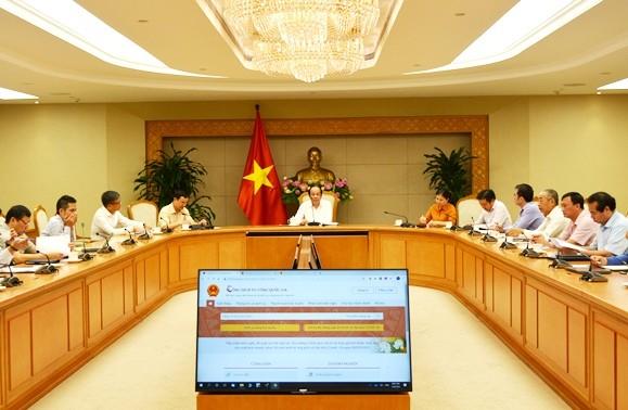 Chính phủ tăng cường cung cấp dịch vụ công trực tuyến cho người dân