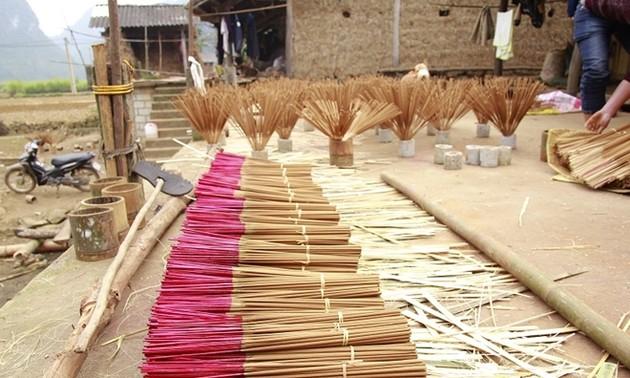 Nghề làm hương truyền thống của người Nùng An ở Cao Bằng