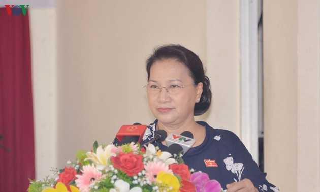 Chủ tịch Quốc hội Nguyễn Thị Kim Ngân tiếp xúc cử tri tại quận Cái Răng, Thành phố Cần Thơ