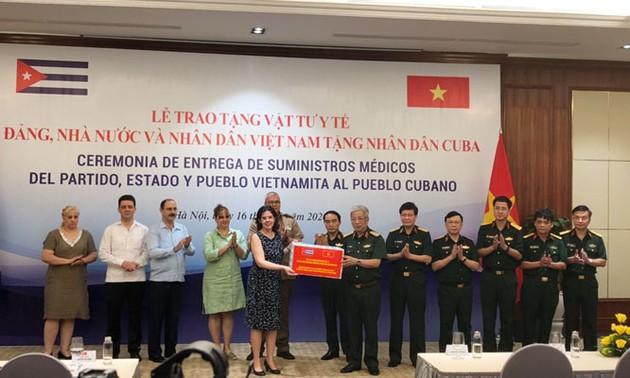 Lễ trao tặng vật tư y tế của Đảng, Nhà nước, Bộ Quốc phòng và nhân dân Việt Nam trao tặng nhân dân Cuba