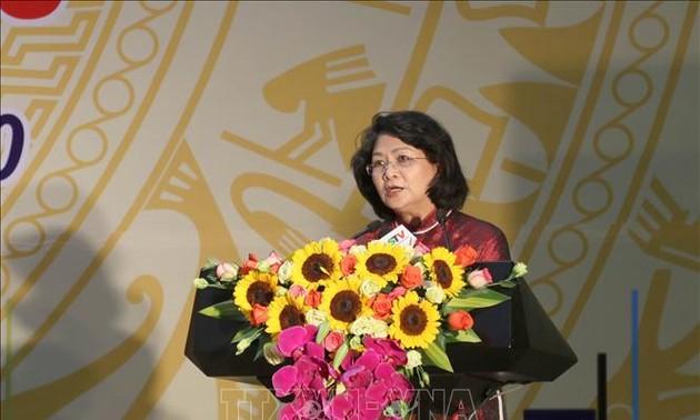 Phó Chủ tịch nước Đặng Thị Ngọc Thịnh khích lệ các phong trào thi đua tỉnh Lạng Sơn
