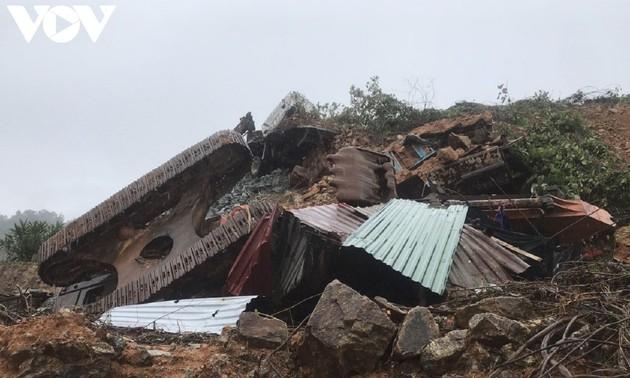 Mưa lũ tại miền Trung khiến 128 người thiệt mạng và mất tích