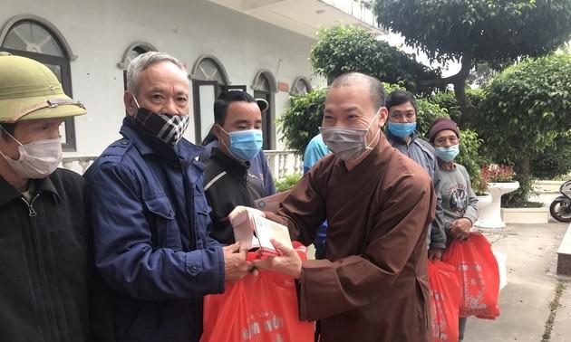 Quảng Ninh: Trao tặng nhà tình nghĩa và tặng quà Tết cho người nghèo