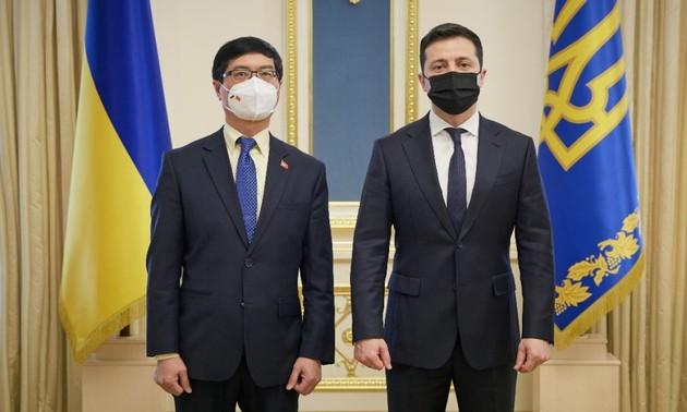 Việt Nam mong muốn phát triển mạnh mẽ quan hệ với Ukraine