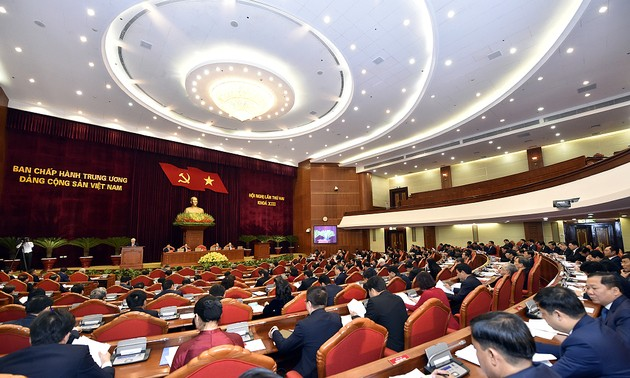 Ngày làm việc thứ nhất của Hội nghị lần thứ hai Ban Chấp hành Trung ương Đảng khoá XIII