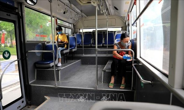 Hà Nội và Thành phố Hồ Chí Minh chủ động ứng phó với dịch Covid-19 trong tình hình mới