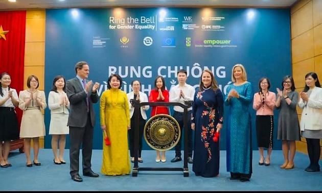 """Sở giao dịch chứng khoán Thành phố Hồ Chí Minh """"Rung chuông vì Bình đẳng giới"""""""