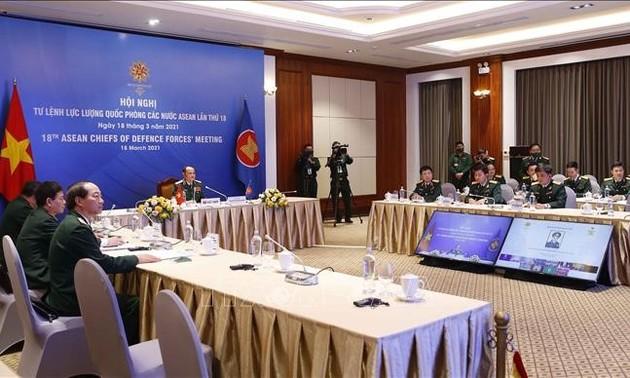 Việt Nam cam kết tham gia có trách nhiệm trong hợp tác quốc phòng, quân sự ASEAN