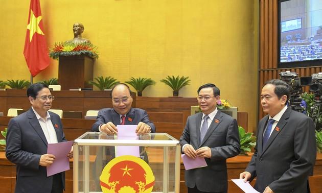 Quốc hội miễn nhiệm Phó Chủ tịch nước, một số thành viên Ủy ban thường vụ Quốc hội